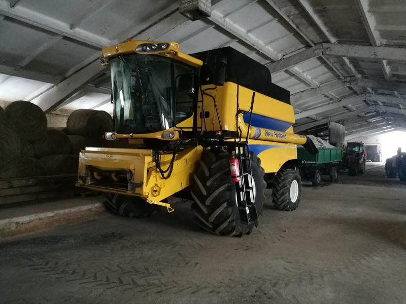 New Holland CSX7050