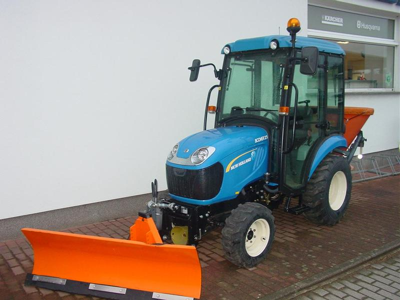 LS Tractor Boomer 25