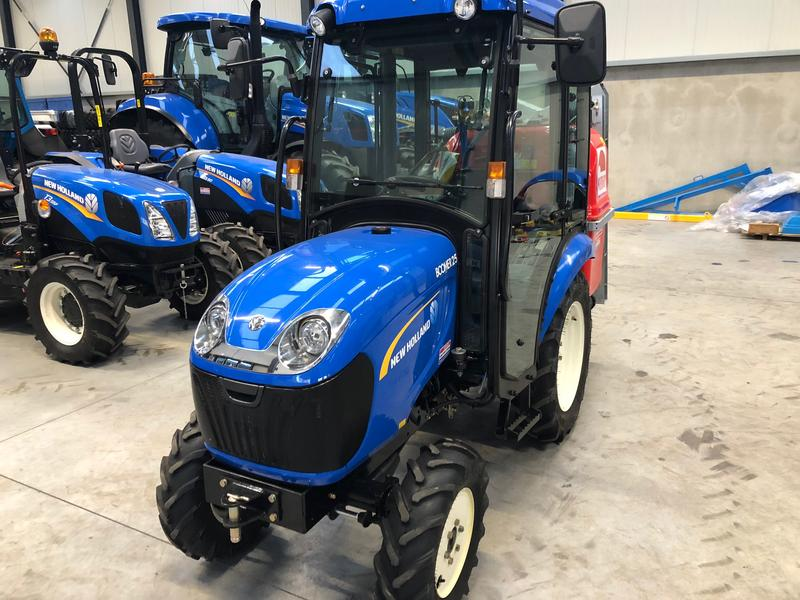 New Holland BOOMER 25 HST CAB AC